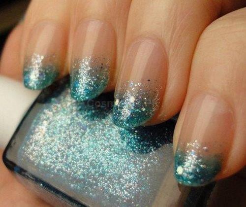 Green Glitter Nail Art Design For Long Nails