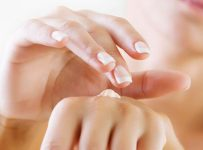 Homemade Remedies For Healthy Nails 001