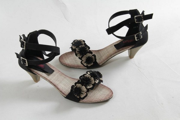 Le Sole Shoes Price In Pakistan