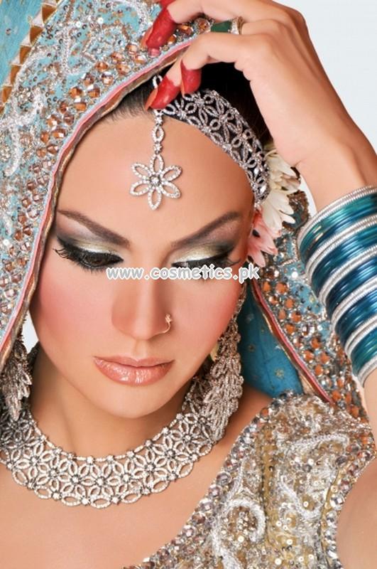 Mehndi Makeup Zara : Mahrose beauty parlor
