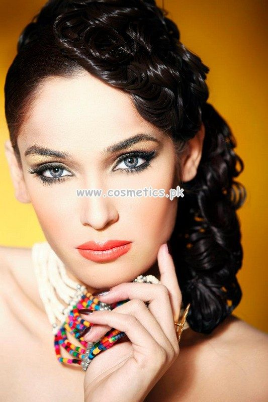 Mehndi Makeup Zara : Zara s beauty parlor for women