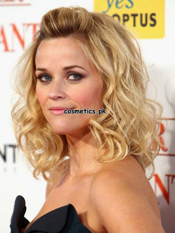 Top 10 Wavy Hairstyles For short hairs 8