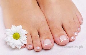 How To Do French Pedicure At Home – Detailed Steps