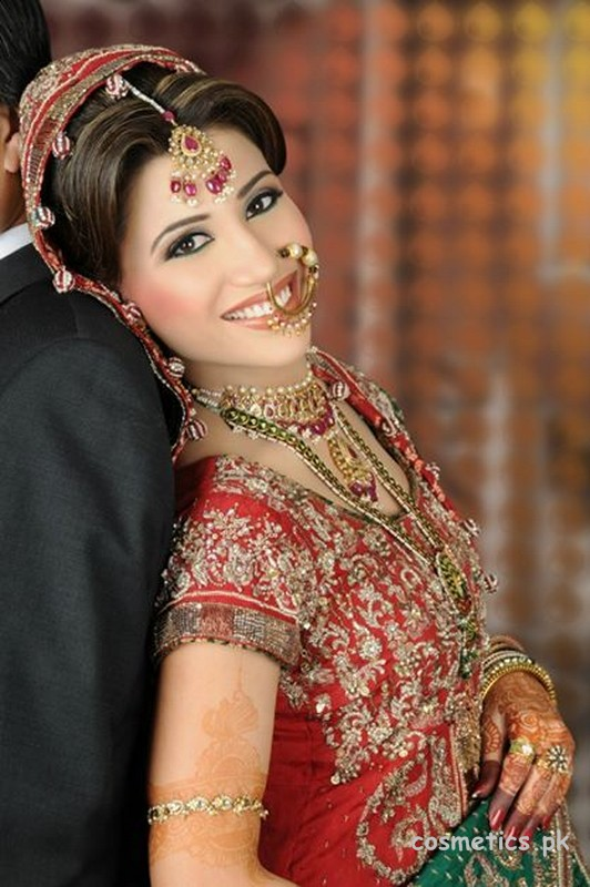 Newlook beauty salon real brides 26 for Actual beauty salon