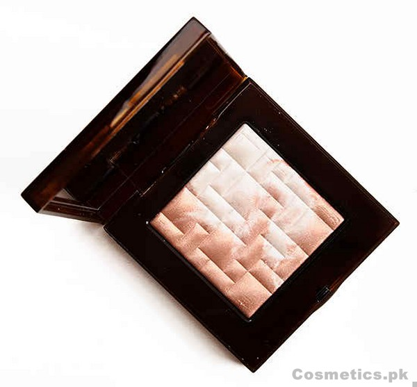 Bobbi Brown Pink Glow Highlighting Powder Review, Swatches and Price