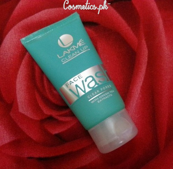 Top 10 Best Face Wash For Oily Skin - Lakme Clean Up Face Wash