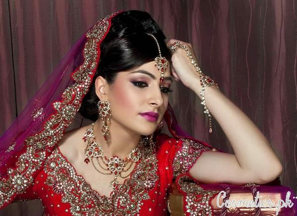 5 Latest Bridal Makeup Videos 2015 - Indian Bridal Makeup