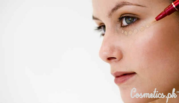 How To Apply Bridal Eye Makeup Correctly - Applying Concealer