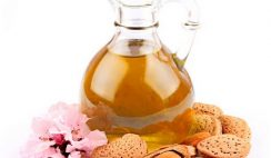 How Almond Oil Is Best For Remove Makeup