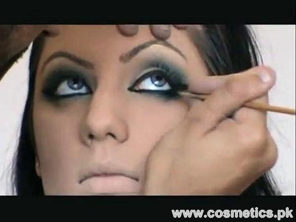 Asian Bridal Makeup Video by Naeem Khan 2015