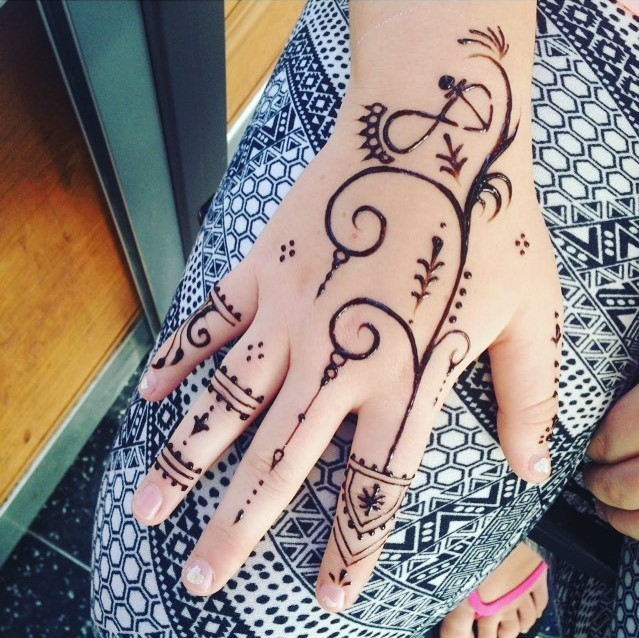 30 Simple Henna Designs For Beginners 0029