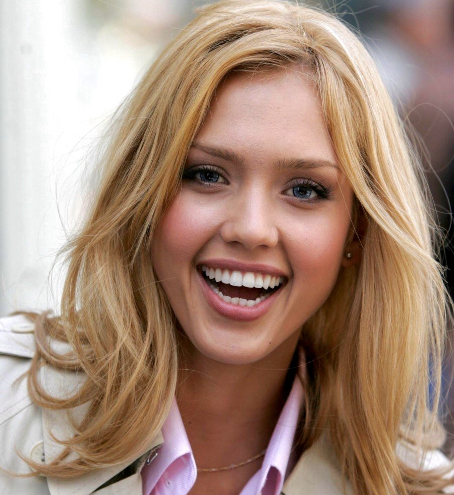 16 Jessica Alba Hairstyles In 2005 Cool Blonde Look