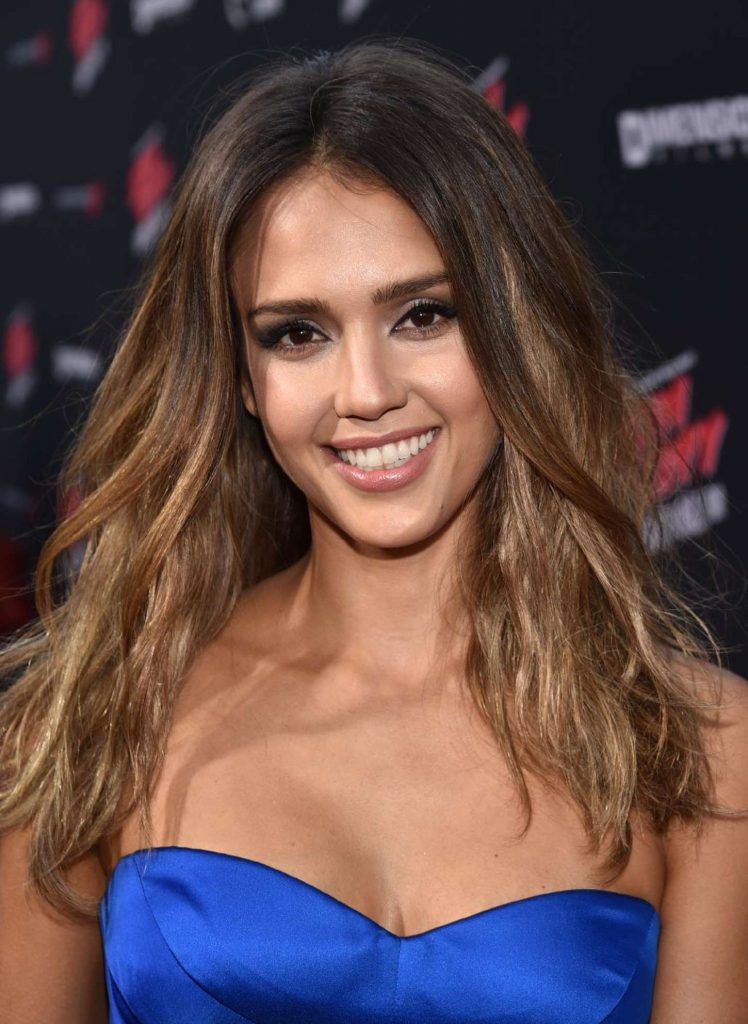 16+ Jessica Alba Hairstyles In 2012 Amazing Blonde Look